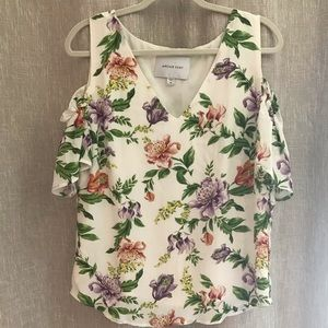 Floral Amour Vert cold shoulder top